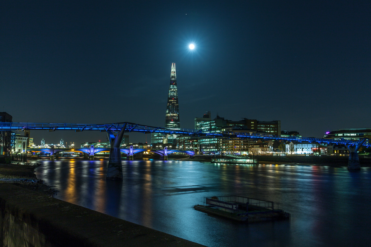 The Shard, the Moon and the Planet Mars